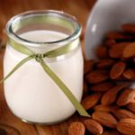 Laptele vegetal: argumente pro şi contra