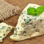 10 beneficii de sănătate cu brânză albastră (gorgonzola)