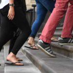 Urcatul scărilor: beneficiile unei activităţi pe care adesea o evităm