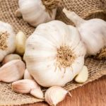 Cât de benefic este să mănânci usturoi pe stomacul gol