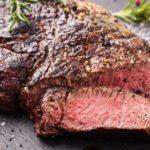 Carne: cantităţi recomandate și ce afecţiuni poate provoca excesul