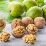 Ceai de coji de nucă: tratament naturist pentru plămâni