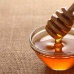 Miere pe stomacul gol: panaceu natural pentru organism