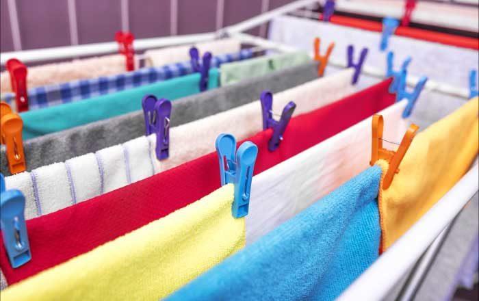 Usuci hainele în casă