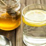 Apă caldă cu miere în fiecare zi? Ce beneficii îți poate aduce