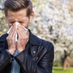 Alergie la polen: simptome, tratament şi ce boli poate declanşa